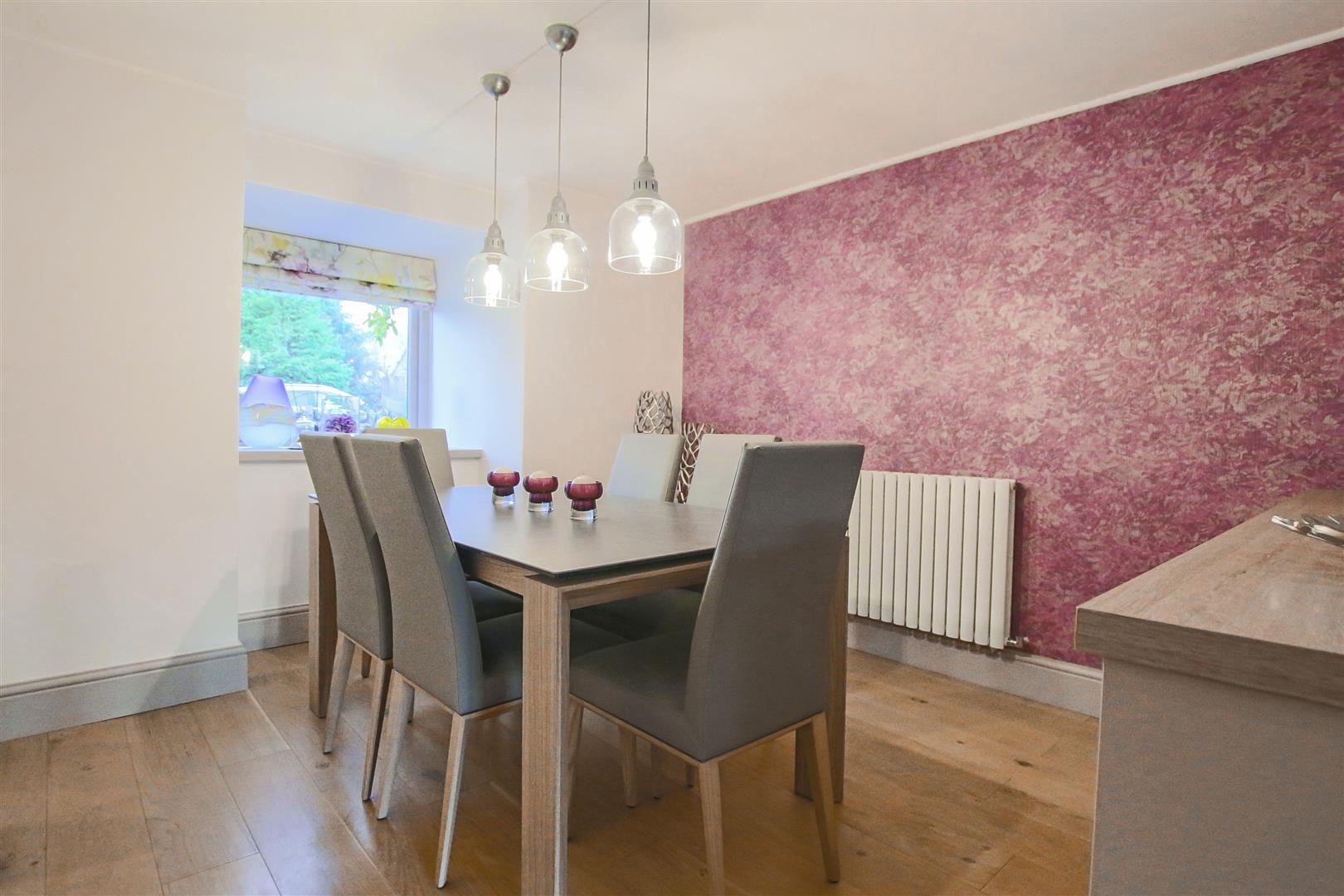3 Bedroom Cottage For Sale - Dining Area